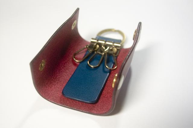使いやすい馬蹄型金具を使用しております