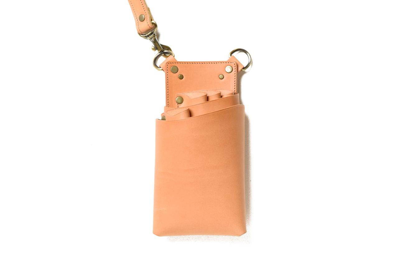 シザーケース イタリアのヌメ革キャメル